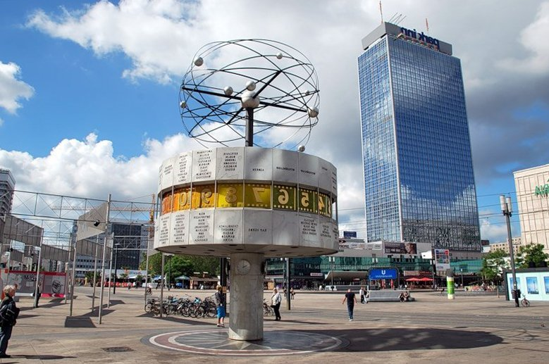 Что посмотреть в Берлине? Александрплац и Часы мира