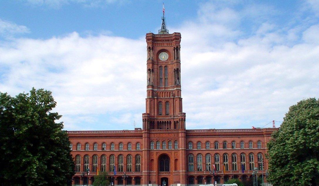 Что посмотреть в Берлине? Красная ратуша