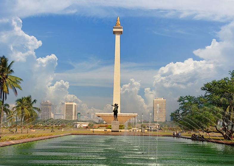 Что посмотреть в Джакарте? Национальный монумент