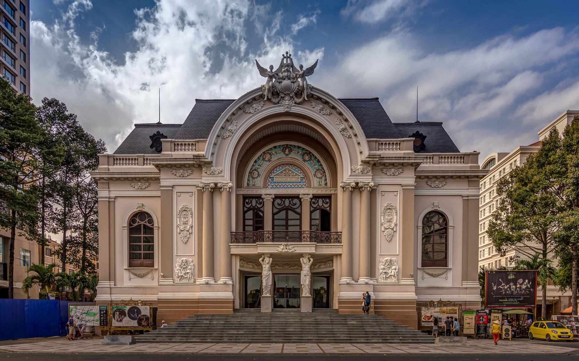 Что посмотреть в Хошимине? Оперный театр