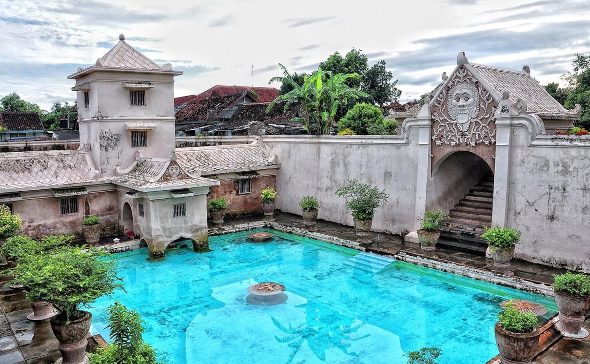 Что посмотреть в Джокьякарте? Водный дворец Taman Sari