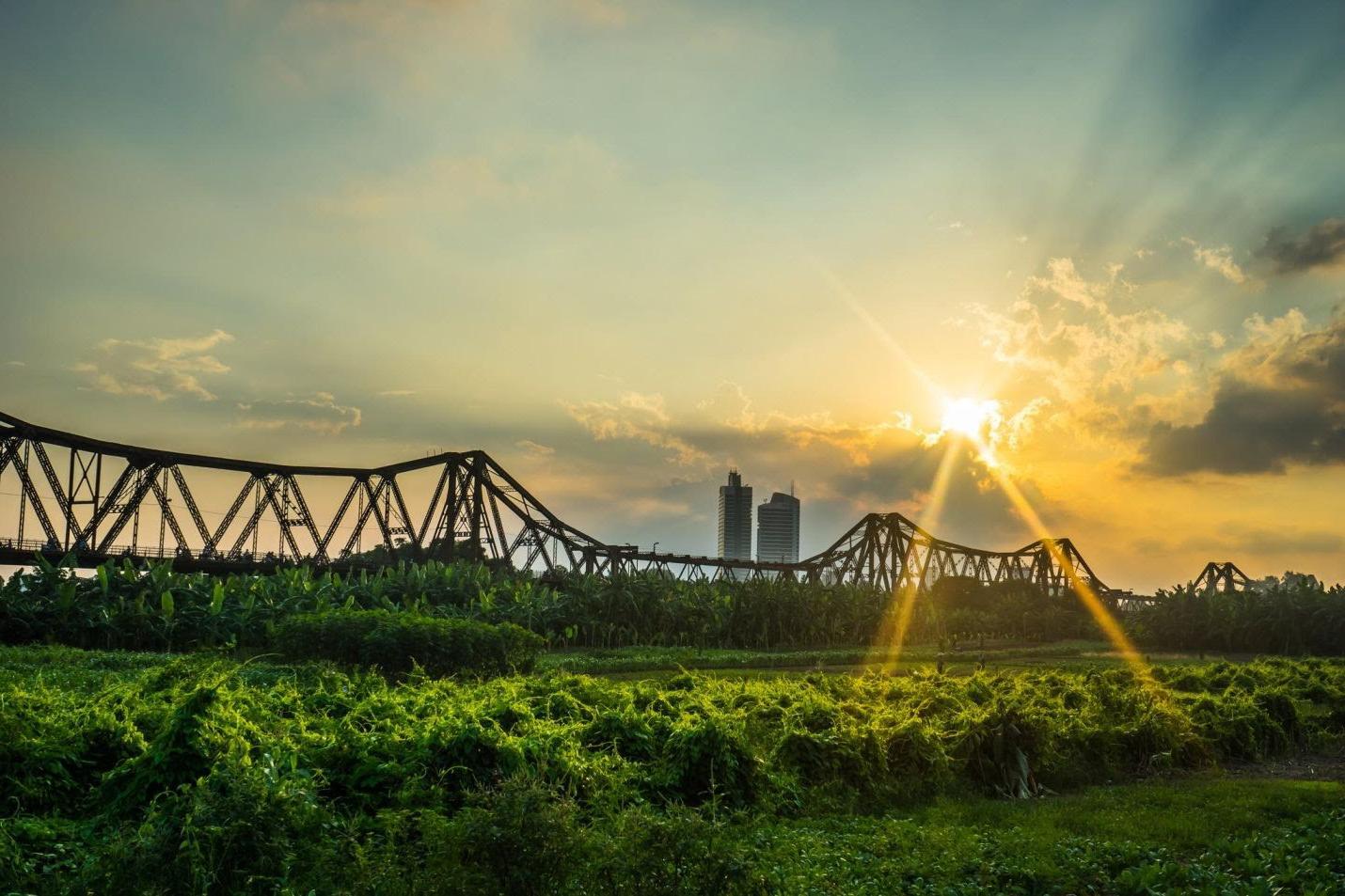 Что посмотреть в Ханое? Мост Лонг Бьен