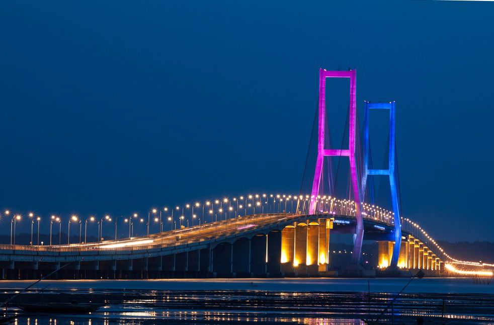 мост Suramadu Bridge