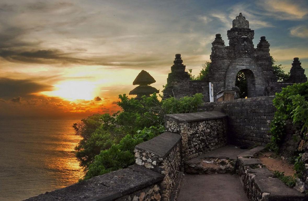 Что посмотреть на Бали? Храм Улувату