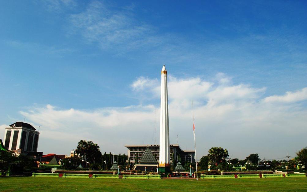 Monumen Tugu Pahlawan