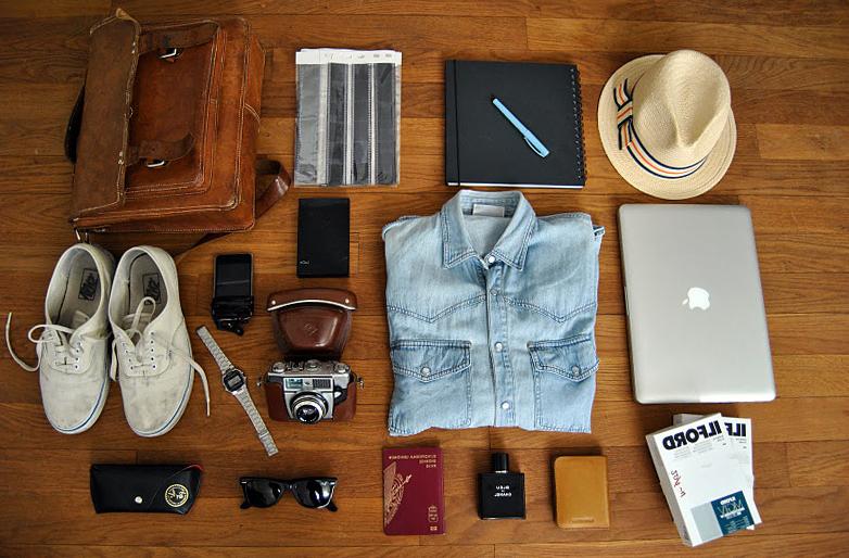 Как складывать одежду в рюкзак? Вещи для ручной клади