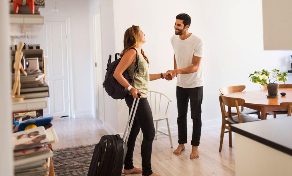 Как бесплатно жить в путешествии? Каучсерфинг