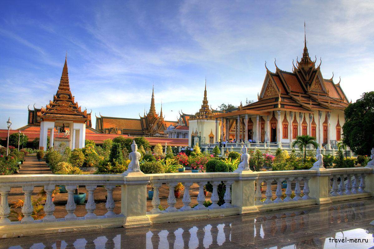 Что посмотреть в Пномпене? Королевский дворец