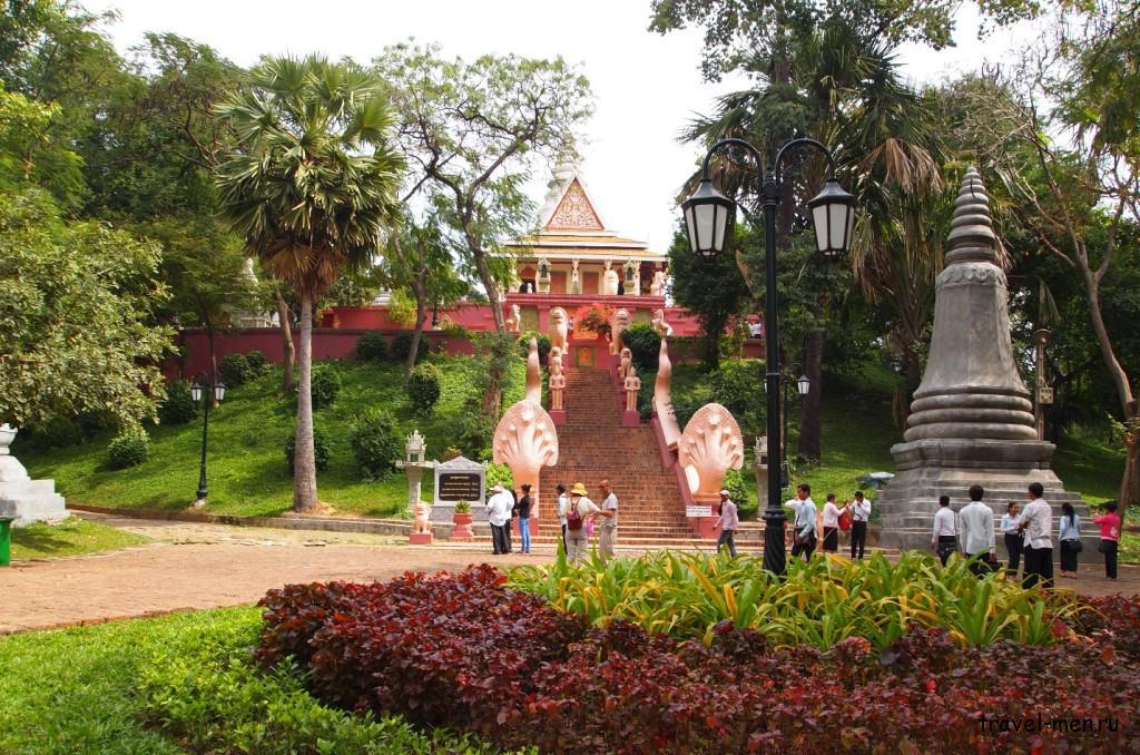 Что посмотреть в Пномпене? Храм Ват Пном