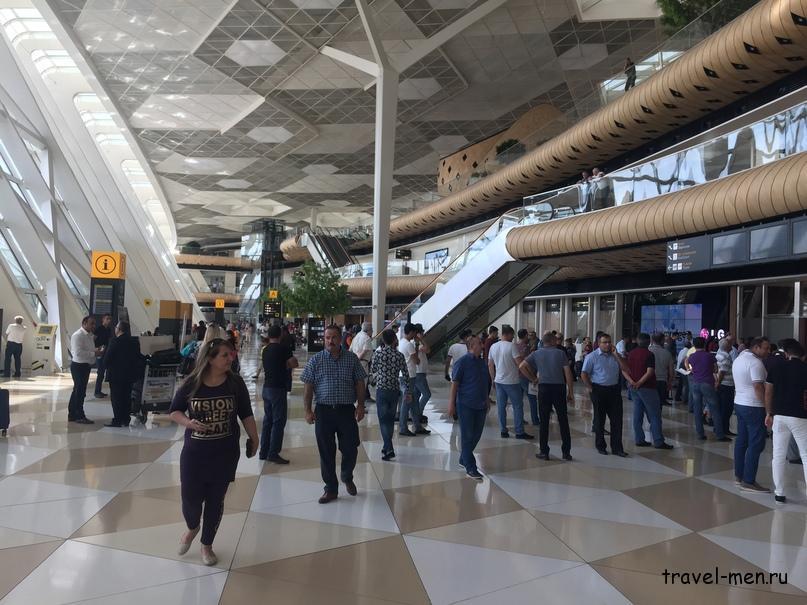 Остановка в Баку. Аэропорт им.Гейдара Алиева