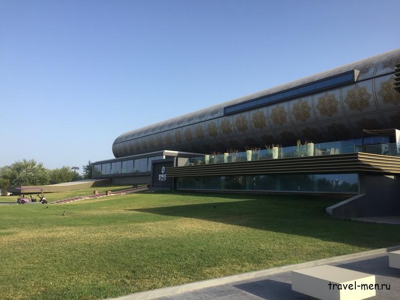 Остановка в Баку. Музей Ковра